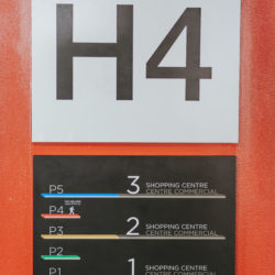 sign-fx-033 interior